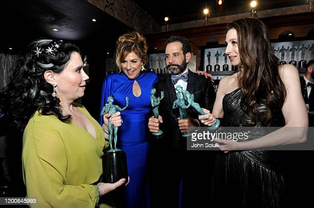 Alex Borstein Caroline Aaron Tony Shalhoub and Marin Hinkle Winners of Outstanding Performance by an Ensemble in a Comedy Series for 'The Marvelous...
