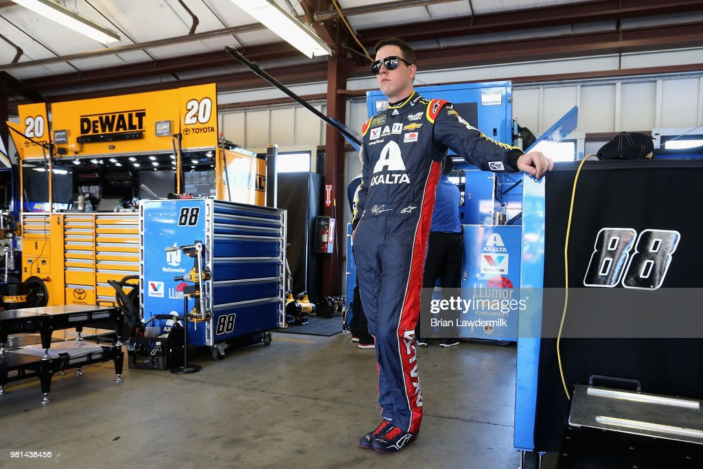 Monster Energy NASCAR Cup Series Toyota/Save Mart 350 - Practice : News Photo