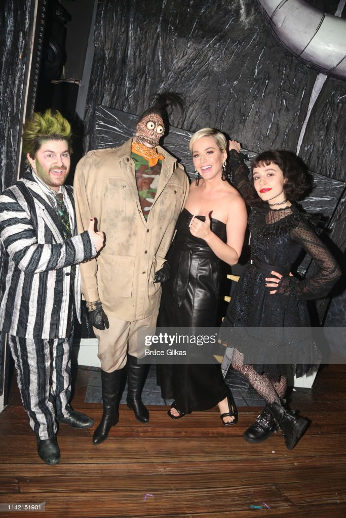 Alex Brightman As Beetlejuice Shrunken Head Guy Katy Perry And News Photo Getty Images