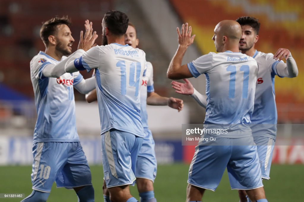 Alex Brosque (2nd L) of Sydney FC celebrates scoring his side's second goal with his team mates during the AFC Champions League Group H match between Suwon Samsung Bluewings and Sydney FC at Suwon World Cup Stadium on April 3, 2018 in Suwon, South Korea.