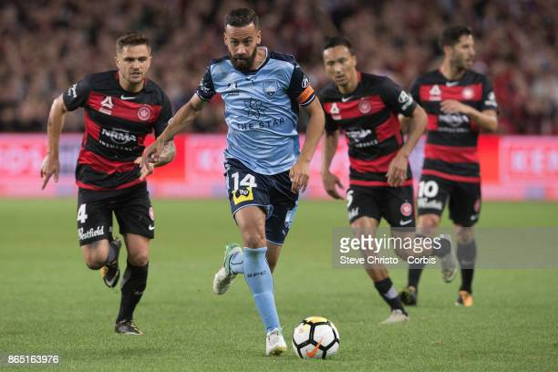 Alex Brosque of Sydney FC dribbles the ball during the round three ALeague match between Sydney FC and Western Sydney Wanderers at Allianz Stadium on...