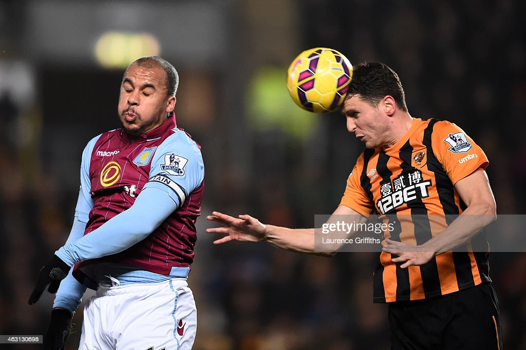 Hull City v Aston Villa - Premier League : News Photo
