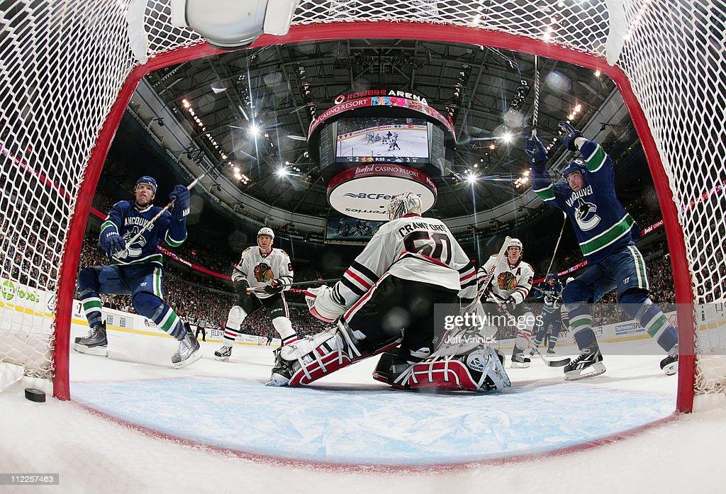 Chicago Blackhawks v Vancouver Canucks - Game Two : News Photo