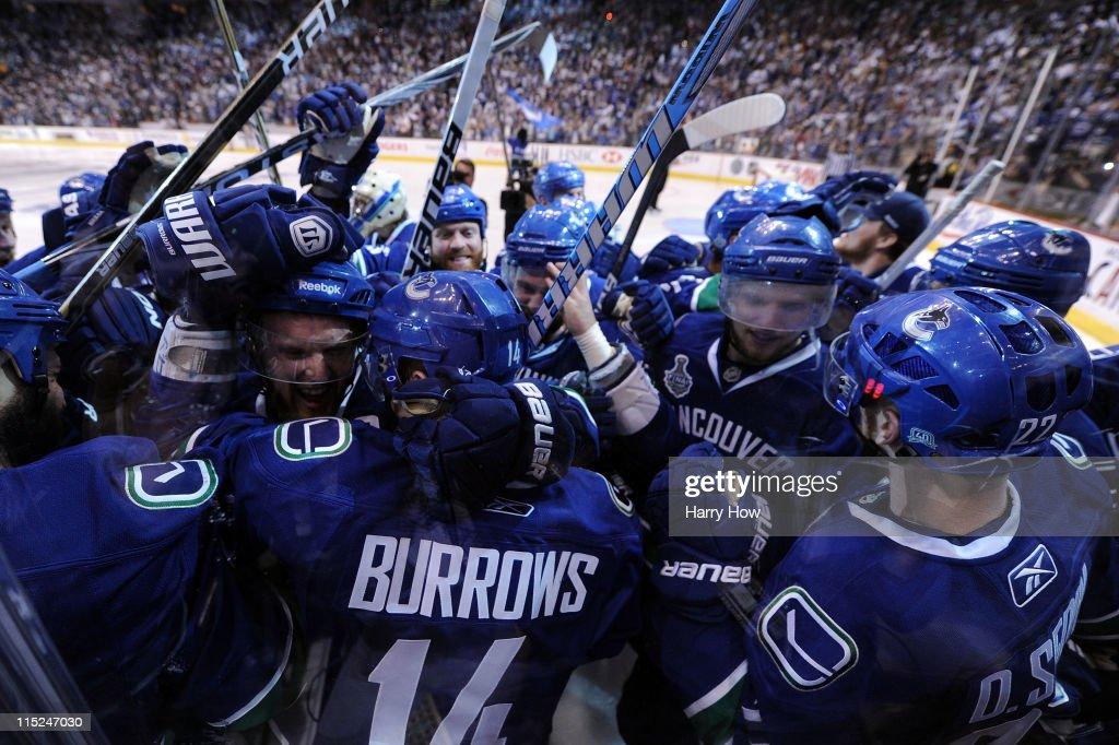 Boston Bruins v Vancouver Canucks - Game Two : News Photo