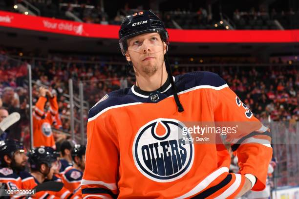 Alex Chiasson of the Edmonton Oilers stands for the singing of the national anthem prior to the game against the Montreal Canadiens on November 13...