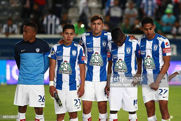 Alex Colon of Pachuca vies for the ball with Edwin Hernandez of Leon during the Liga BBVA Bancomer MX final match between Pachuca and Leon at Hidalgo...