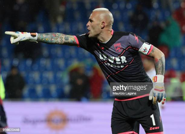 Alex Cordaz of Crotone during the serie A match between FC Crotone and Atalanta BC at Stadio Comunale Ezio Scida on February 10 2018 in Crotone Italy