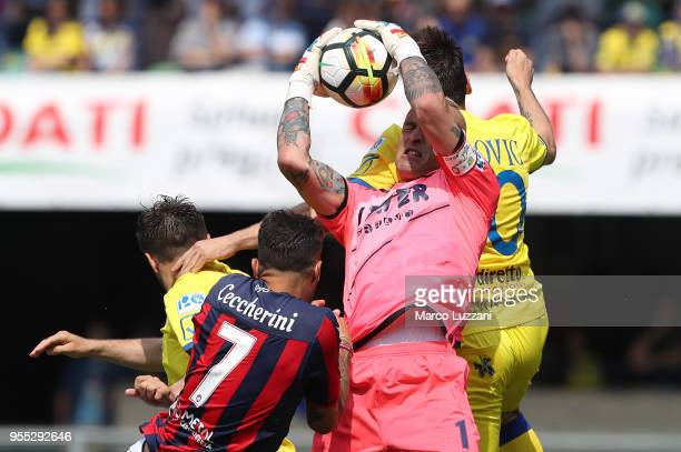 Alex Cordaz of FC Crotone makes a save during the serie A match between AC Chievo Verona and FC Crotone at Stadio Marc'Antonio Bentegodi on May 6...