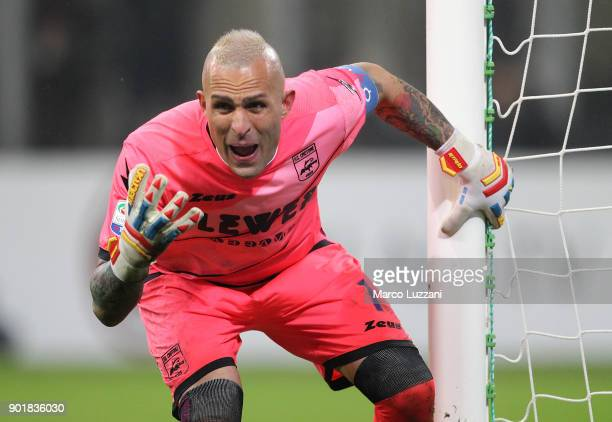Alex Cordaz of FC Crotone shouts during the serie A match between AC Milan and FC Crotone at Stadio Giuseppe Meazza on January 6 2018 in Milan Italy