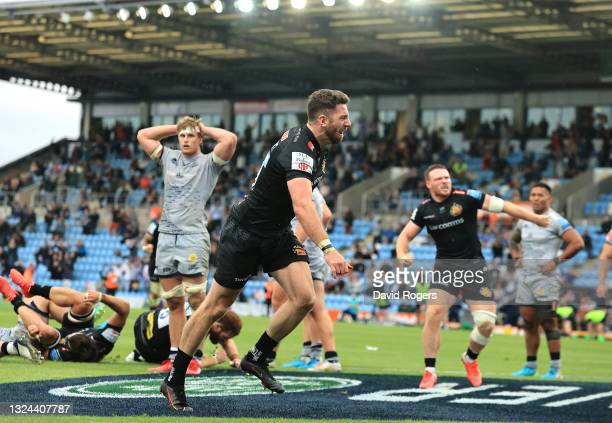 Alex Cuthbert of Exeter Chiefs celebrates after scoring a try during the Gallagher Premiership semi final match between Exeter Chiefs and Sale Sharks...