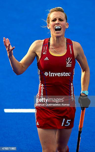 Alex Danson of England reacts during the match between England and Spain at Polideportivo Virgen del Carmen during day one of the Hockey World League...