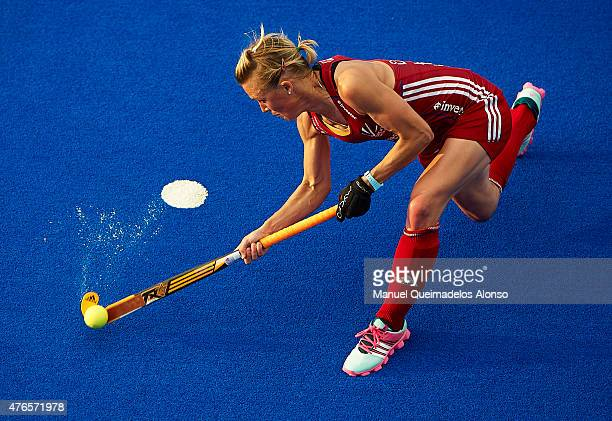Alex Danson of England shoots for score during the match between England and Spain at Polideportivo Virgen del Carmen during day one of the Hockey...