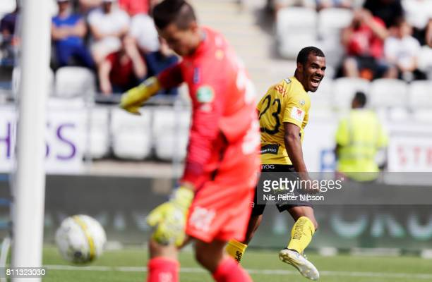 Alex Dyer of IF Elfsborg celebrates after scoring to 12 during the Allsvenskan match between IFK Norrkoping and IF Elfsborg at Ostgotaporten on July...