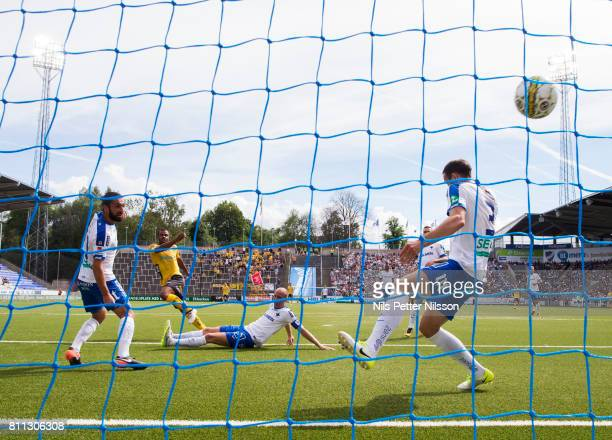 Alex Dyer of IF Elfsborg scores to 02 during the Allsvenskan match between IFK Norrkoping and IF Elfsborg at Ostgotaporten on July 9 2017 in...
