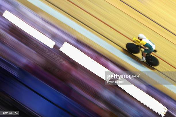 Alex Edmondson of Australia races in the Men's 4000m Individual Pursuit Final at Sir Chris Hoy Velodrome during day two of the Glasgow 2014...