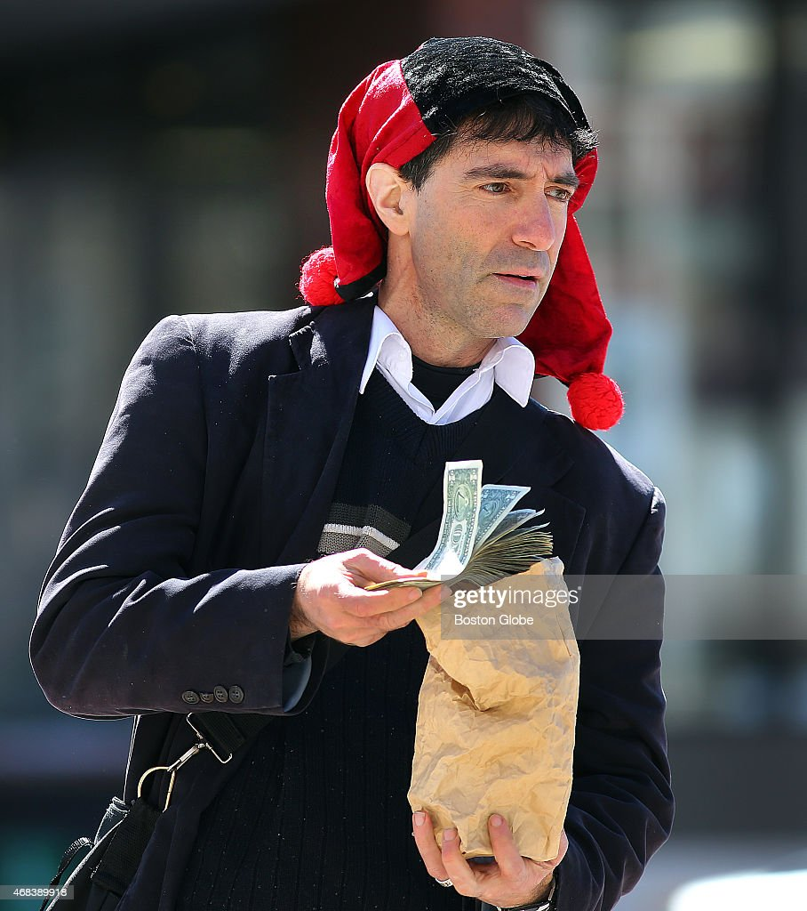 A Fool And His Money Are Not Soon Parted : News Photo