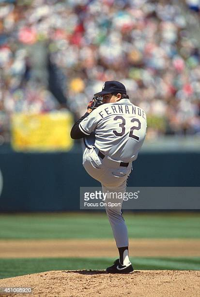 Alex Fernandez of the Chicago White Sox pitches against the Oakland Athletics during an Major League Baseball game circa 1991 at the OaklandAlameda...
