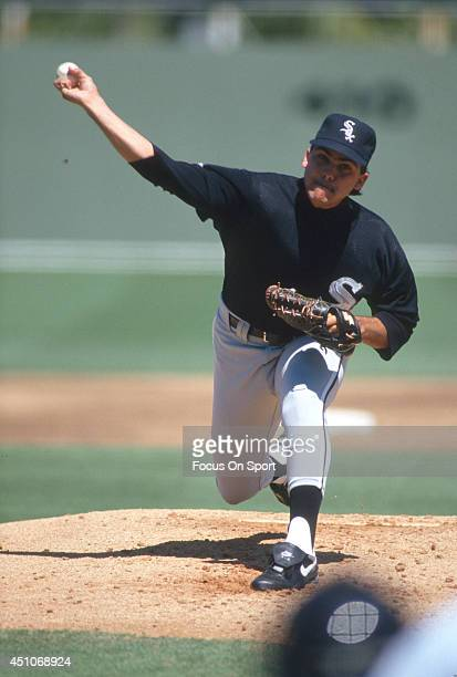 Alex Fernandez of the Chicago White Sox pitches during an Major League Baseball game circa 1991 Fernandez played for the White Sox from 199096