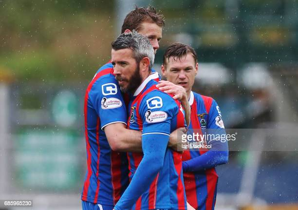 Alex Fisher and Kevin McNaughton of Inverness Caledonian Thistle react at full time during the Ladbrokes Premiership match between Inverness...