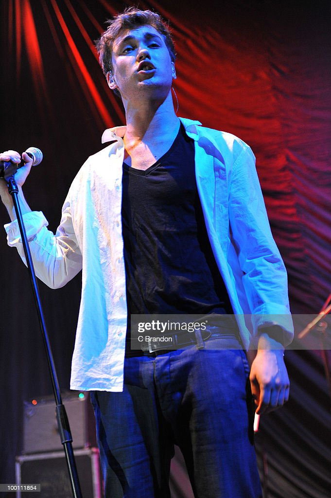 Alex Gardner performs on stage at Hammersmith Apollo on May 19, 2010 in London, England.