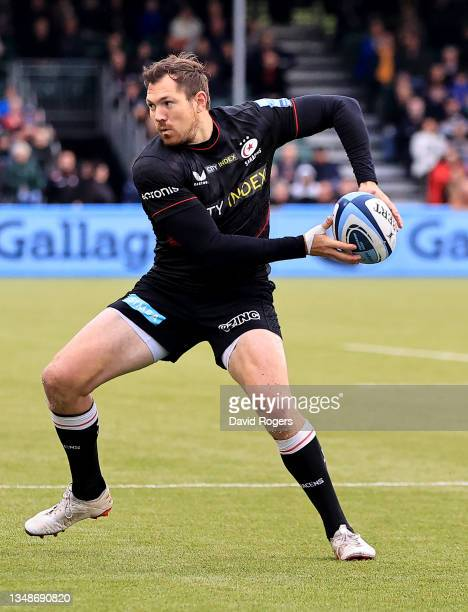 Alex Goode of Saracens passes the ball during the Gallagher Premiership Rugby match between Saracens and Wasps at StoneX Stadium on October 24, 2021...