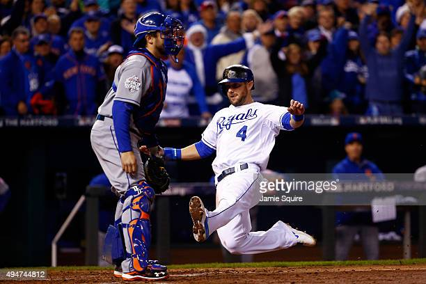 Alex Gordon of the Kansas City Royals scores a run on an RBI single hit by Alcides Escobar of the Kansas City Royals in the fifth inning against the...