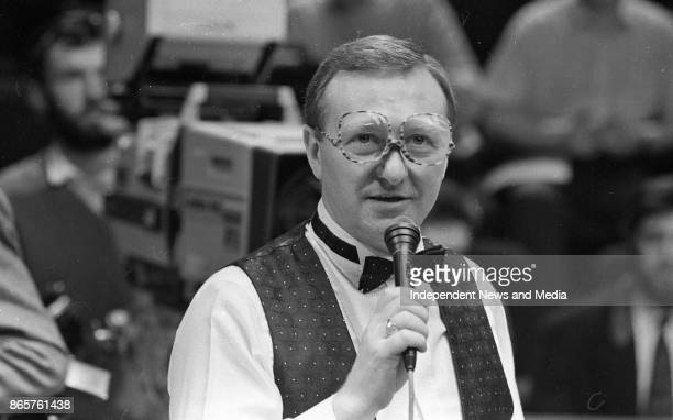 Alex Higgins and Dennis Taylor at the Benson & Hedges quarter final of the Irish masters, March 30, 1990. .