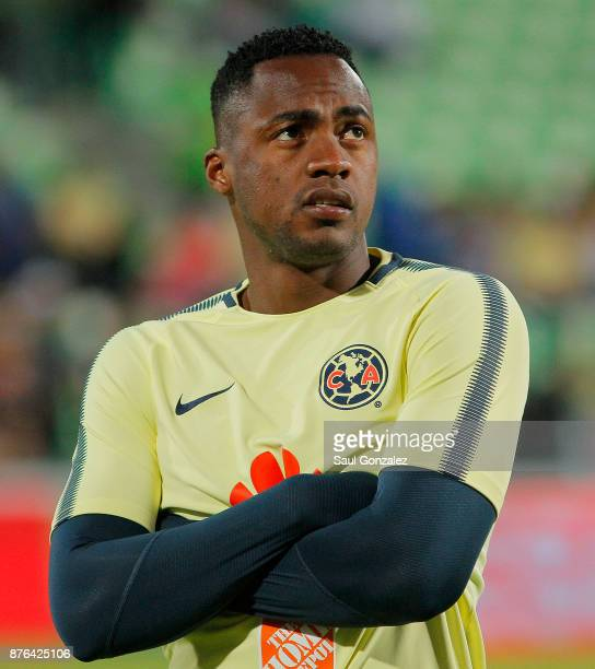 Alex Ibarra of America looks on prior to the 17th round match between Santos Laguna and America as part of the Torneo Apertura 2017 Liga at Corona...