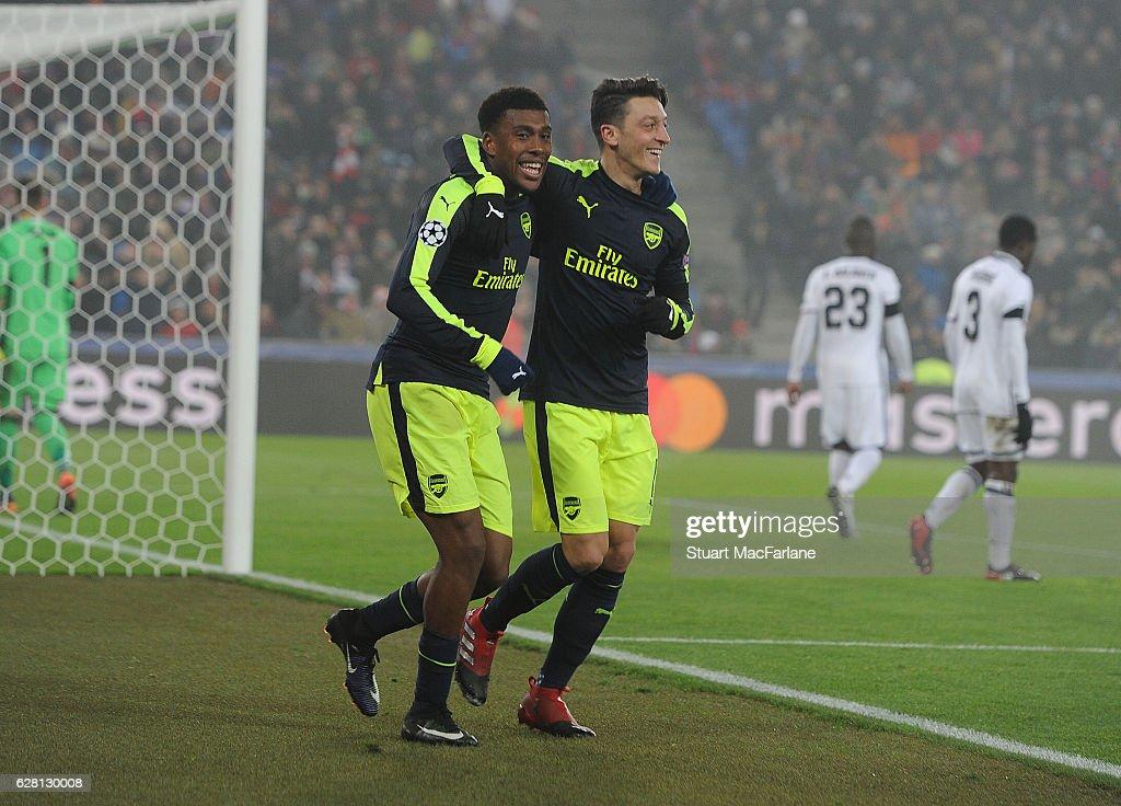 FC Basel 1893 v Arsenal FC - UEFA Champions League : News Photo