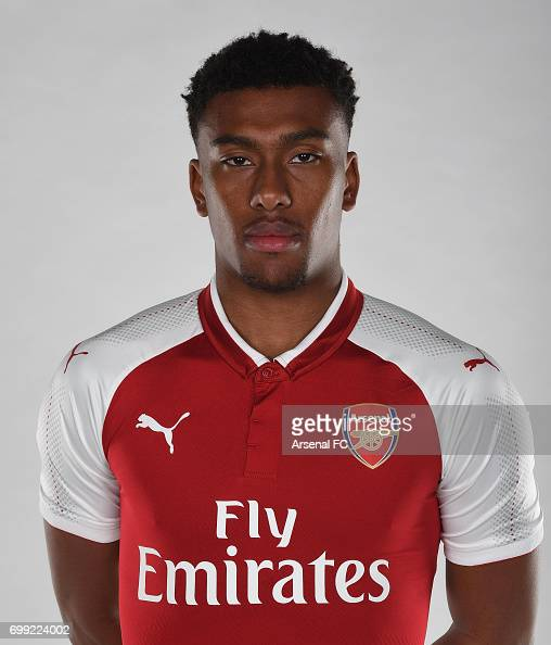 Alex Iwobi of Arsenal in the new Arsenal home kit on February 23 ...