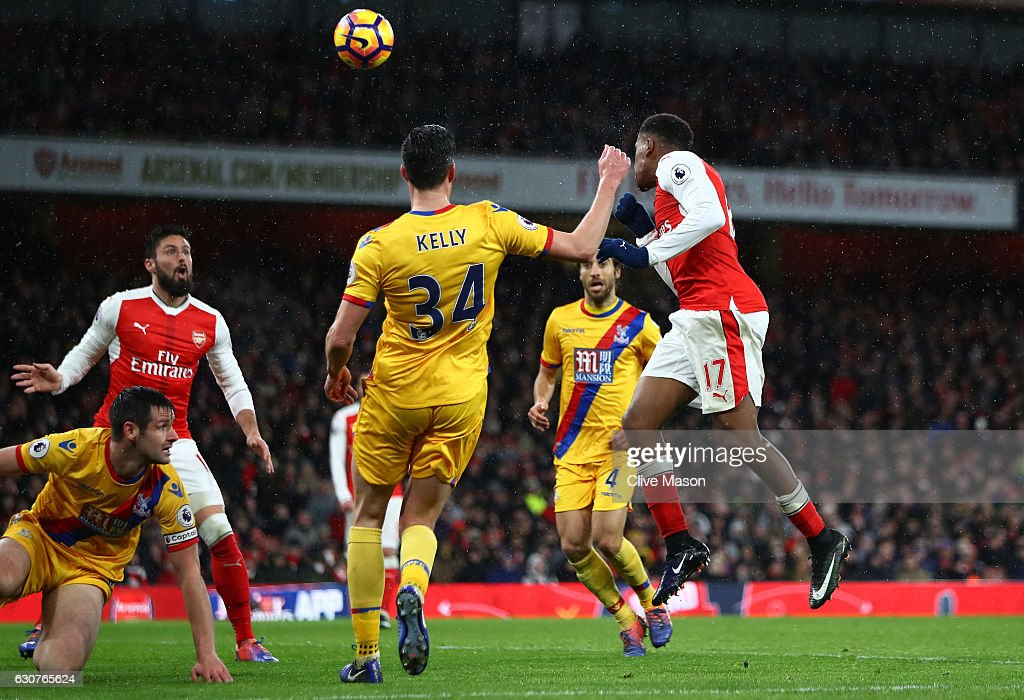 Alex Iwobi of Arsenal scores his team's second goal during the Premier League match between Arsenal and Crystal Palace at the Emirates Stadium on January 1, 2017 in London, England.