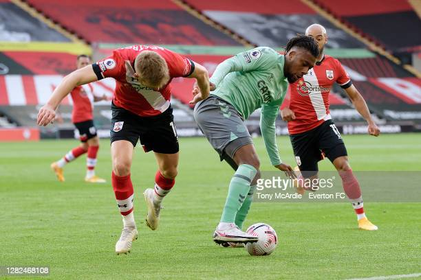 Alex Iwobi of Everton on the ball during the Premier League match between Southampton and Everton at St Mary's Stadium on October 25 2020 in...