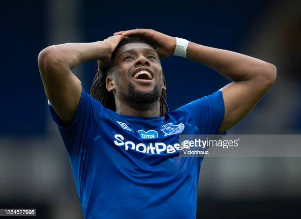 Alex Iwobi of Everton puts his head in his hands after missing a good chance during the Premier League match between Everton FC and Leicester City at...