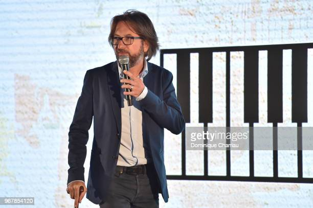Alex Jaffray speaks on stage during Chatons dÕOr 2018 award ceremony