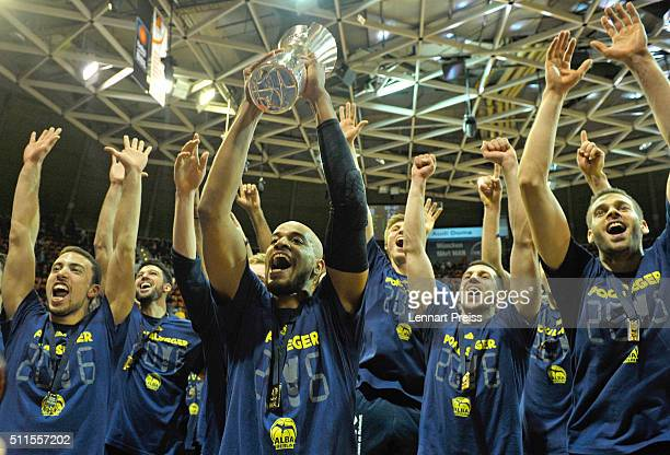 Alex King of ALBA Berlin and his teammates celebrate winning the Beko BBL TOP FOUR Final match between FC Bayern Muenchen and ALBA Berlin at AudiDome...