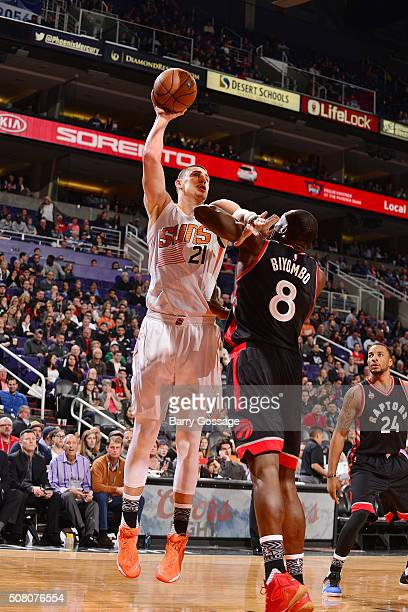 Alex Len of the Phoenix Suns shoots the ball against the Toronto Raptors on February 2 2016 at Talking Stick Resort Arena in Phoenix Arizona NOTE TO...