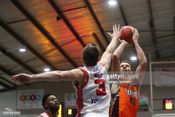 Alex Loughton of the Cairns Taipans shoots during the 2018 NBL Blitz match between the Cairns Taipans and Perth Wildcats at Ballarat Minerdrome on...