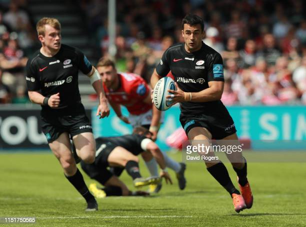 Alex Lozowski of Saracens runs with the ball during the Gallagher Premiership Rugby Semi Final match between Saracens and Gloucester at Allianz Park...