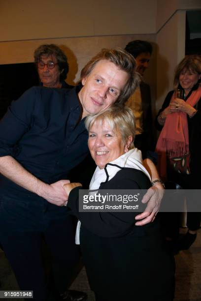 Alex Lutz and Mimie Mathy pose after the Alex Lutz One Man Show At L'Olympia on February 8 2018 in Paris France