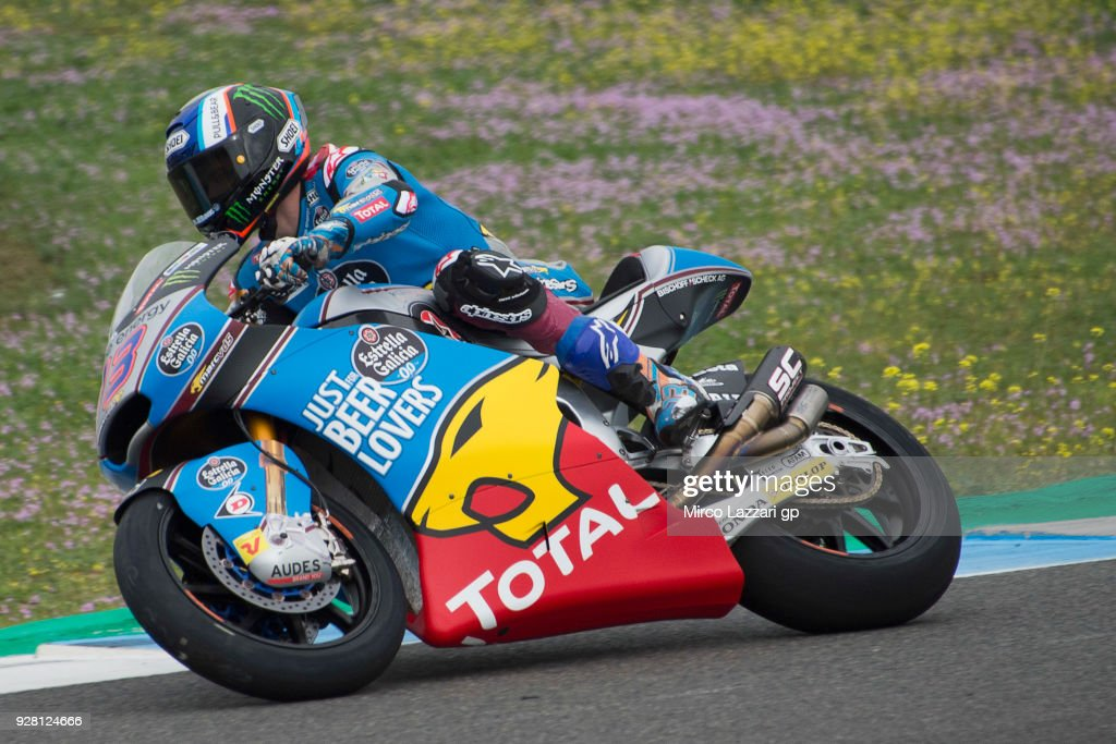 Alex Marquez of Spain and EG 0,0 Marc VDS rounds the bend during the Moto2 & Moto3 Tests In Jerez at Circuito de Jerez on March 6, 2018 in Jerez de la Frontera, Spain.