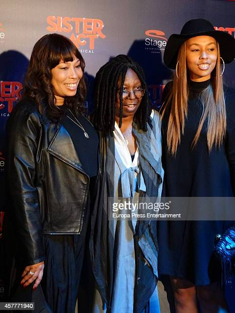 Alex Martin Whoopi Goldberg and Jerzey Martin attend the premiere of 'Sister Act' on October 23 2014 in Barcelona Spain