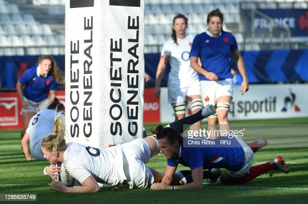 Alex Matthews of England scores her sides second try during the France Women v England Women Autumn International series match at Stade des Alpes on...