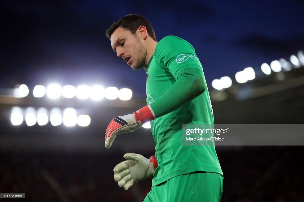 Southampton v Liverpool - Premier League : News Photo