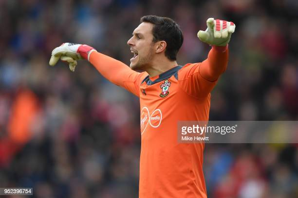 Alex McCarthy of Southampton shouts instructions during the Premier League match between Southampton and AFC Bournemouth at St Mary's Stadium on...