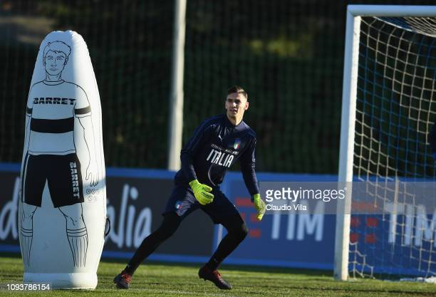 Alex Meret of Italy in action during a training session at Centro Tecnico Federale di Coverciano on February 4 2019 in Florence Italy