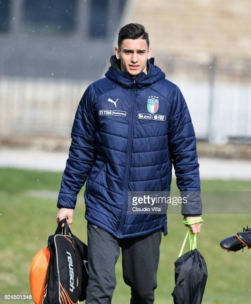 Alex Meret of Italy looks on during a training session at Italy club's training ground at Coverciano at Coverciano on February 26 2018 in Florence...