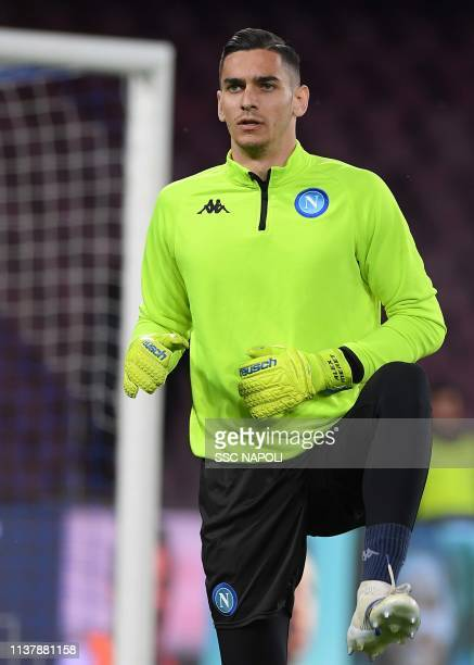 Alex Meret of Napoli warms up prior the UEFA Europa League Quarter Final Second Leg match between SSC Napoli and Arsenal at Stadio San Paolo on April...