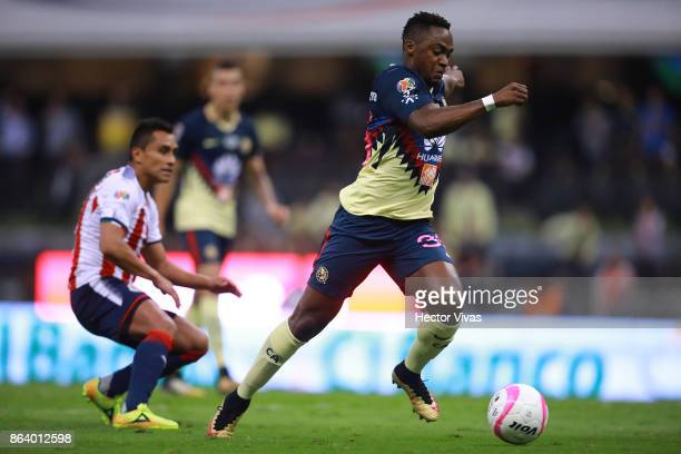 Alex Mina of America scores the second goal of his team during the 10th round match between America and Chivas as part of the Torneo Apertura 2017...