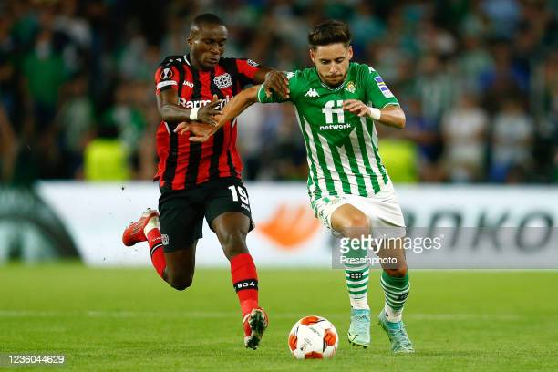 Alex Moreno of Real Betis and Moussa Diaby of Bayer 04 Leverkusen during the UEFA Europa League match between Real Betis and Bayer 04 Leverkusen...