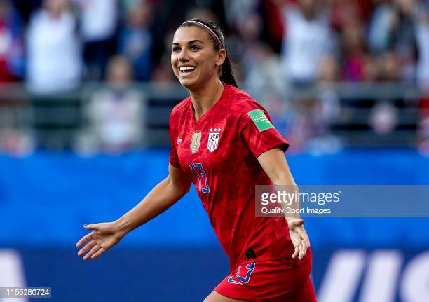 Alex Morgan of USA celebrates their team's first goal during the 2019 FIFA Women's World Cup France group F match between USA and Thailand at Stade...